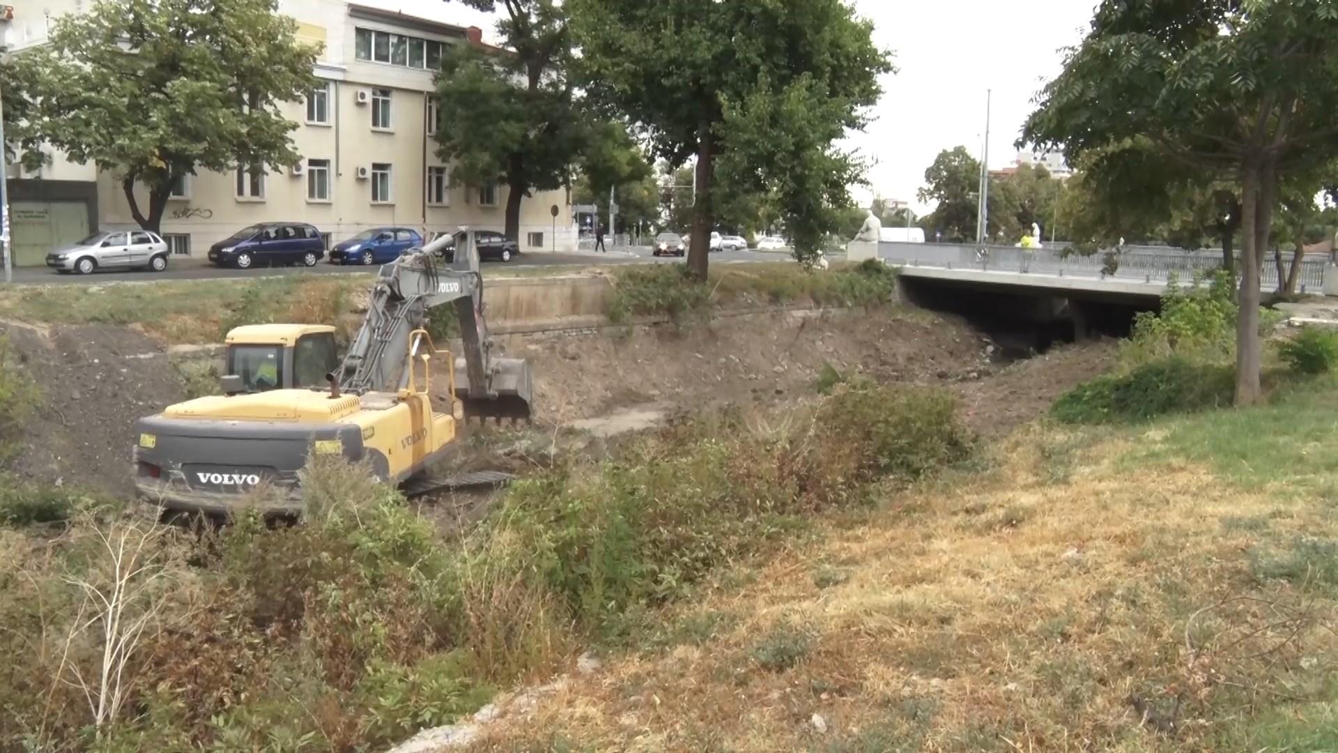 Укрепват свлачищата в Качулка и Сотиря .Почистват речните корита в Сливенско